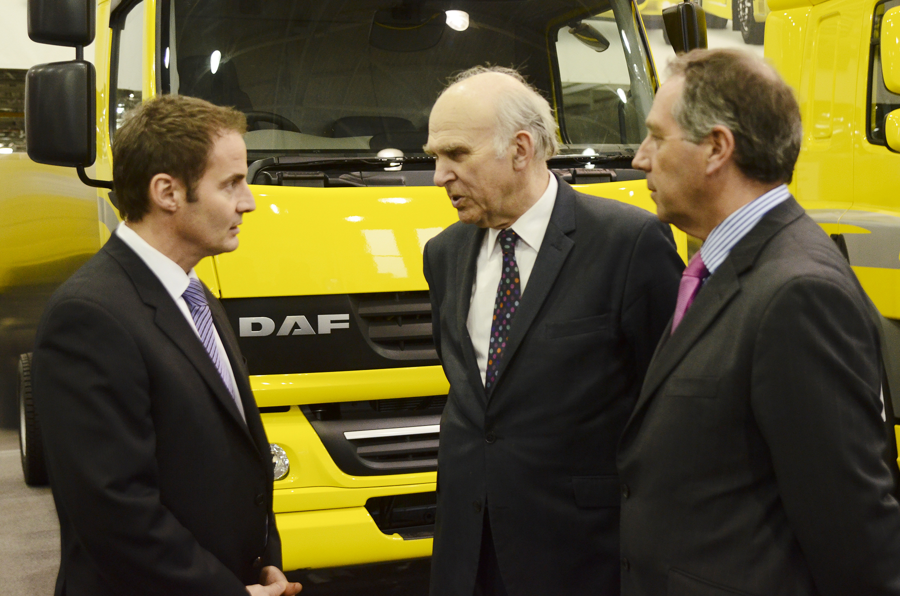 14.1.13 Leyland Trucks l-r Ron Augustyn, md Leyland Trucks; Vince Cable, Business Secretary; Ray Ashworth, md DAF Trucks UK