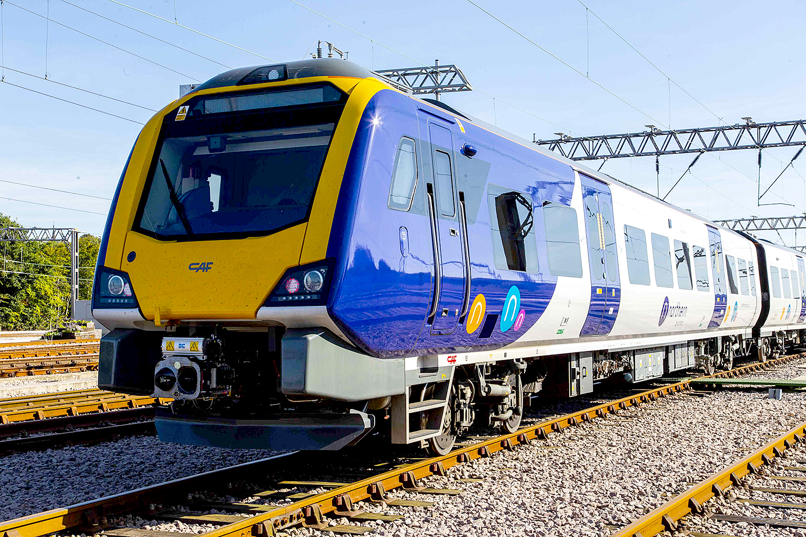 Government to put Northern rail services into public ownership